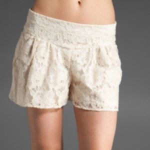 S Ella Moss Cream Lace Lined Shorts